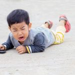 cara mengatasi temper tantrum