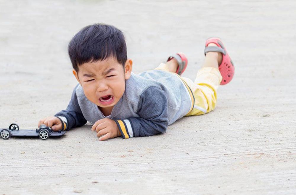 Cara Mengatasi Temper Tantrum pada Anak